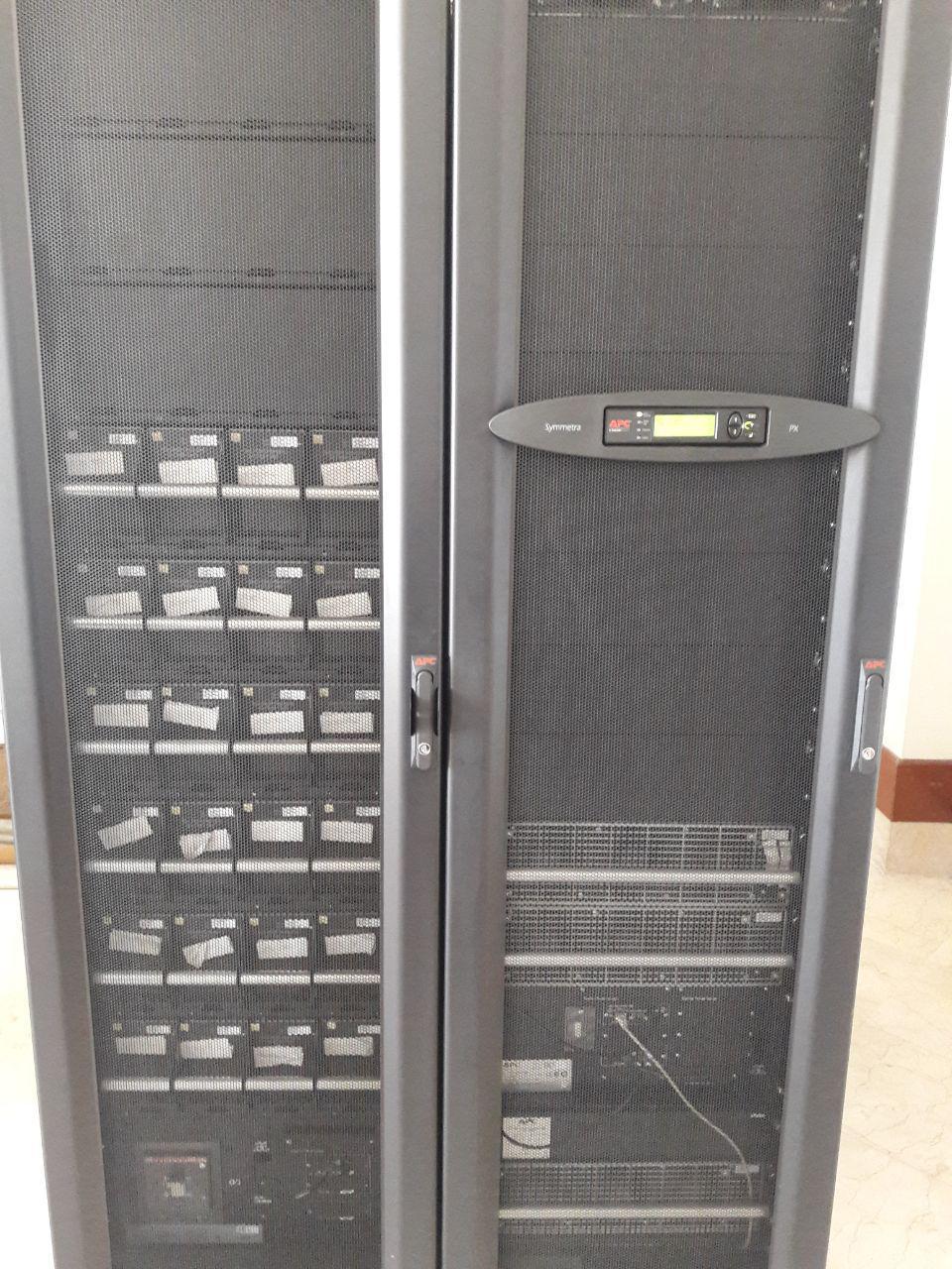 تعویض باتری UPS